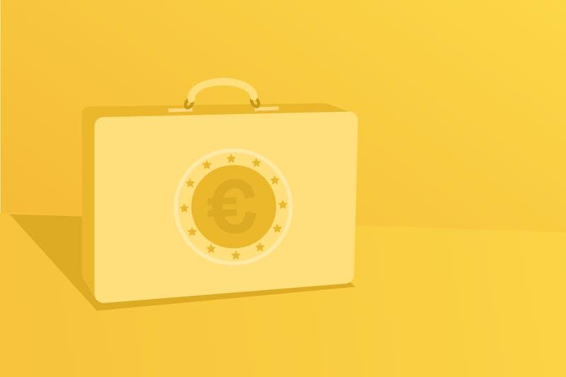 Ein Koffer mit Geld für die persönliche Budgetplanung