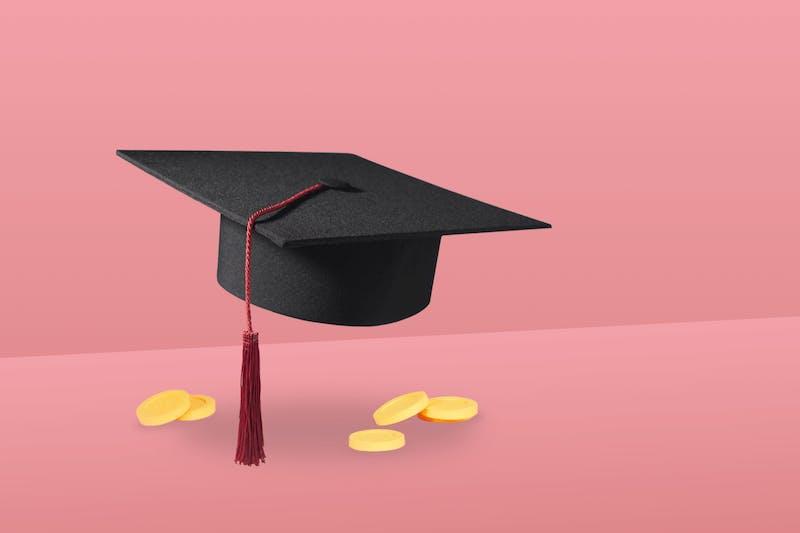 Abschlusshut für Studenten und Münzen, damit man als Student Geld sparen kann