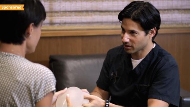 Dr. Cohen talking to patient.