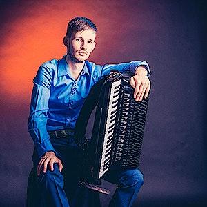 Nicolae Știuca, accordeon
