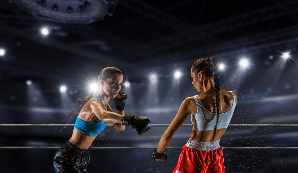 2 female boxers in the ring