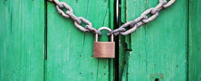 door-green-closed-lock.jpg