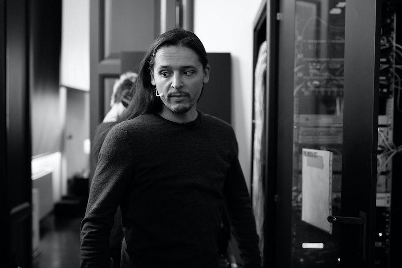 Olivier Theyskens - microphone