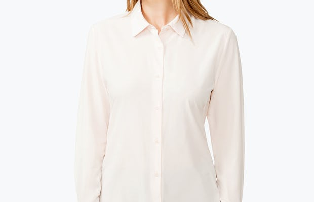 Women's Blush Juno Tailored Dress Shirt on Model Looking to Her Right