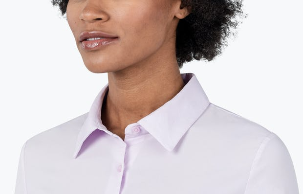 Women's Pale Pink Juno Recycled Tailored Shirt on Model in Close-up of Her Shirt Collar