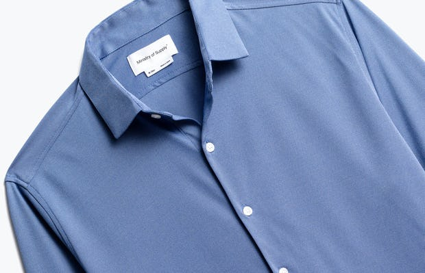 close up of men's ocean oxford brushed apollo dress shirt shot of front