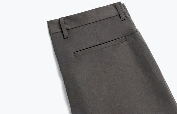 Close up of Men's Charcoal Heather Kinetic Pant Back