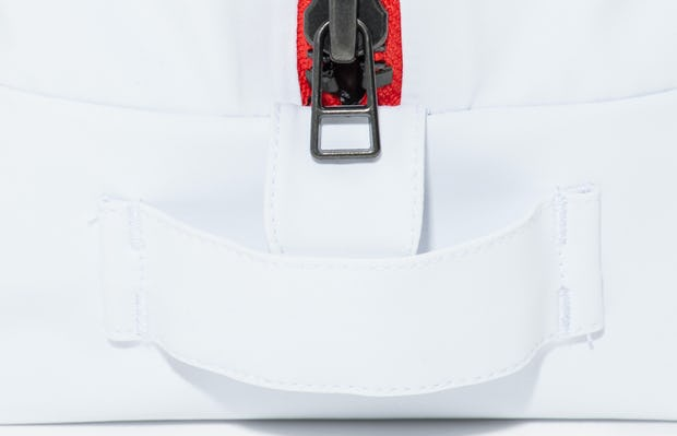 doppler essentials kit white red zipper zoomed shot of front showing zipper