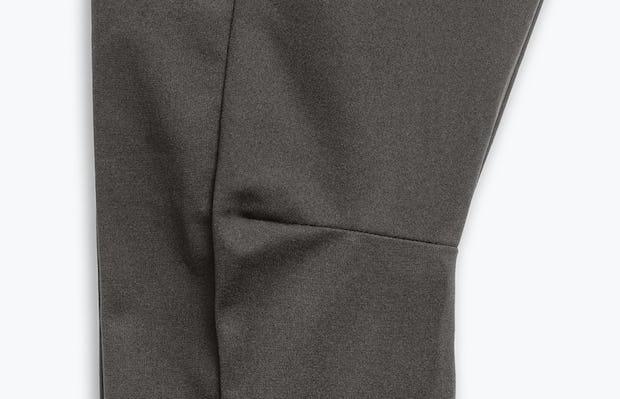 Close Up of Men's Charcoal Heather Kinetic Adaptive Pants Knee