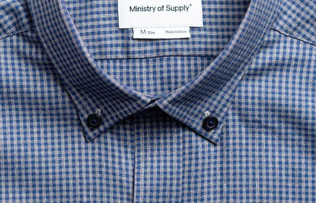 Men's indigo heather gingham aero button down zoomed shot of collar