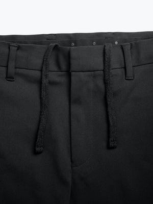 men's black kinetic sneaker cut pant zoomed shot of belt loops and waist tie