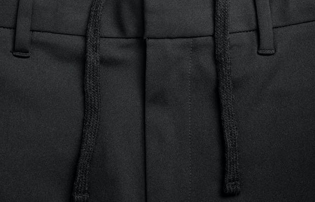 men's black kinetic sneaker cut pant zoomed shot of belt loops and waist tie