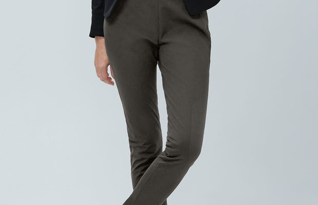 women's charcoal heather kinetic skinny pant on model