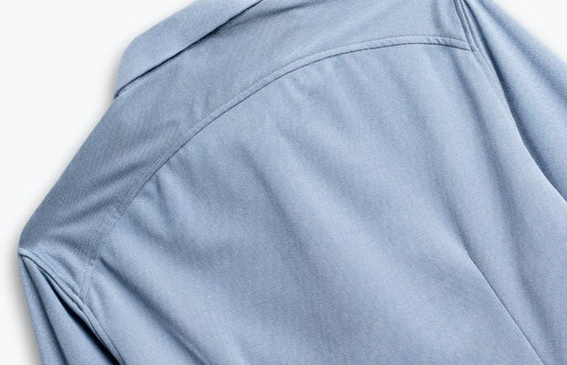 men's deep sky blue oxford apollo shirt zoomed shot of back