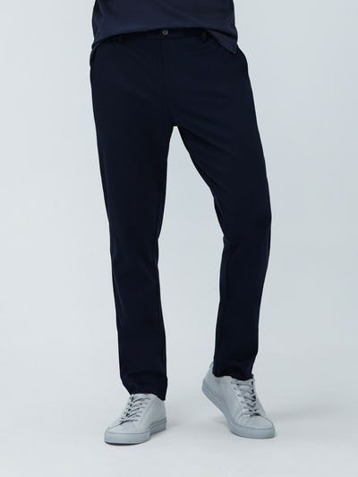 Close up of Men's Navy Fusion Pant on model