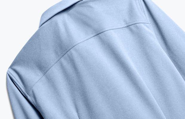 men's pale blue heather brushed apollo dress shirt zoomed shot of back
