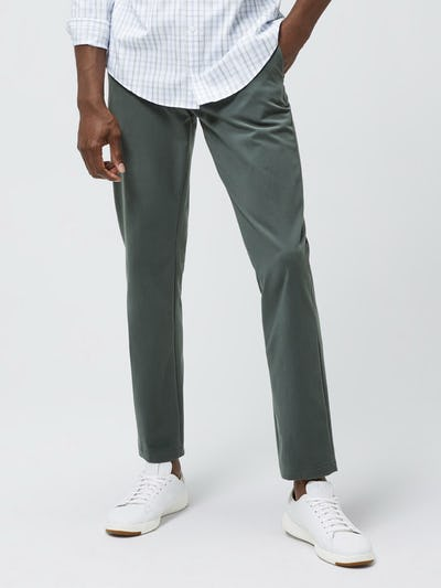 Close up of Men's Sage Momentum Chino on model