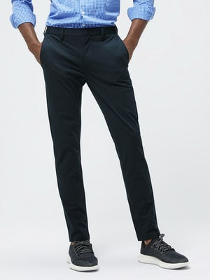 Close up of Men's Navy Kinetic Pant on model