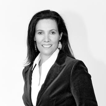 Veronika Ottenschläger - Nutritionist, 5 elements therapeut, dietition, entrepreneur