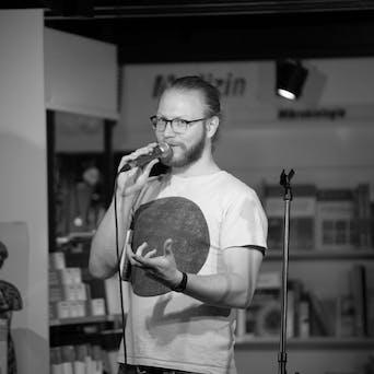 Luca Schuster - Med Student & Poetryslammer