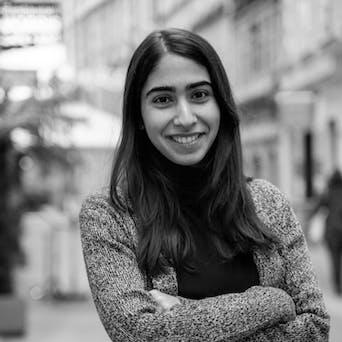 Elif Duygu – Poetry Slammer