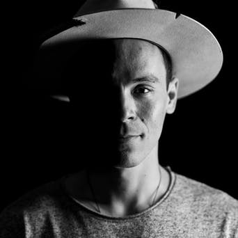 Adam Roa - Poet, Dichter, Filmemacher & Musiker