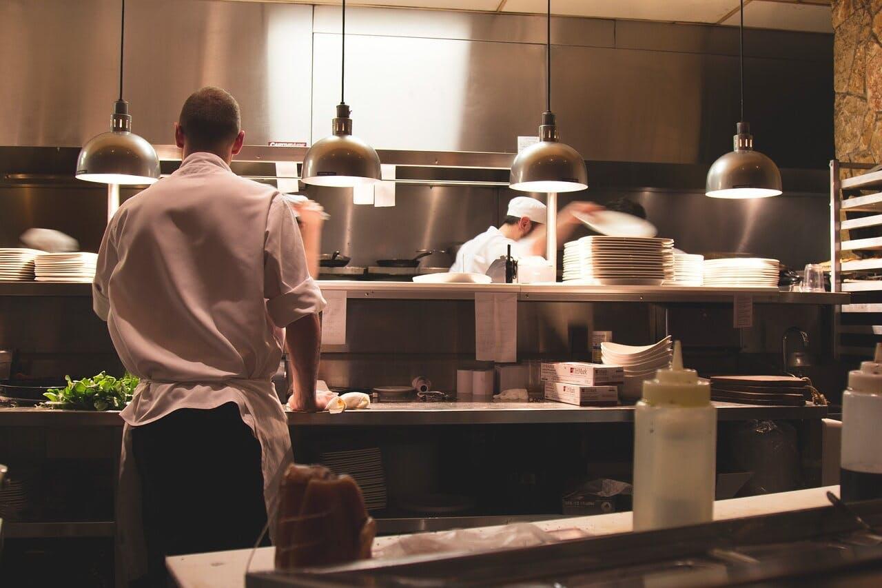 Küche eines Gastronomiebetriebs