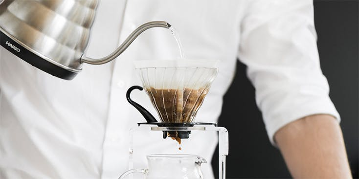 Kaffeekanne einschenken kaffee
