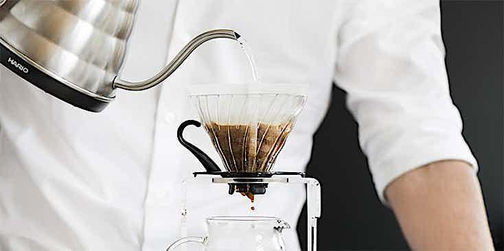 Kaffee gießen