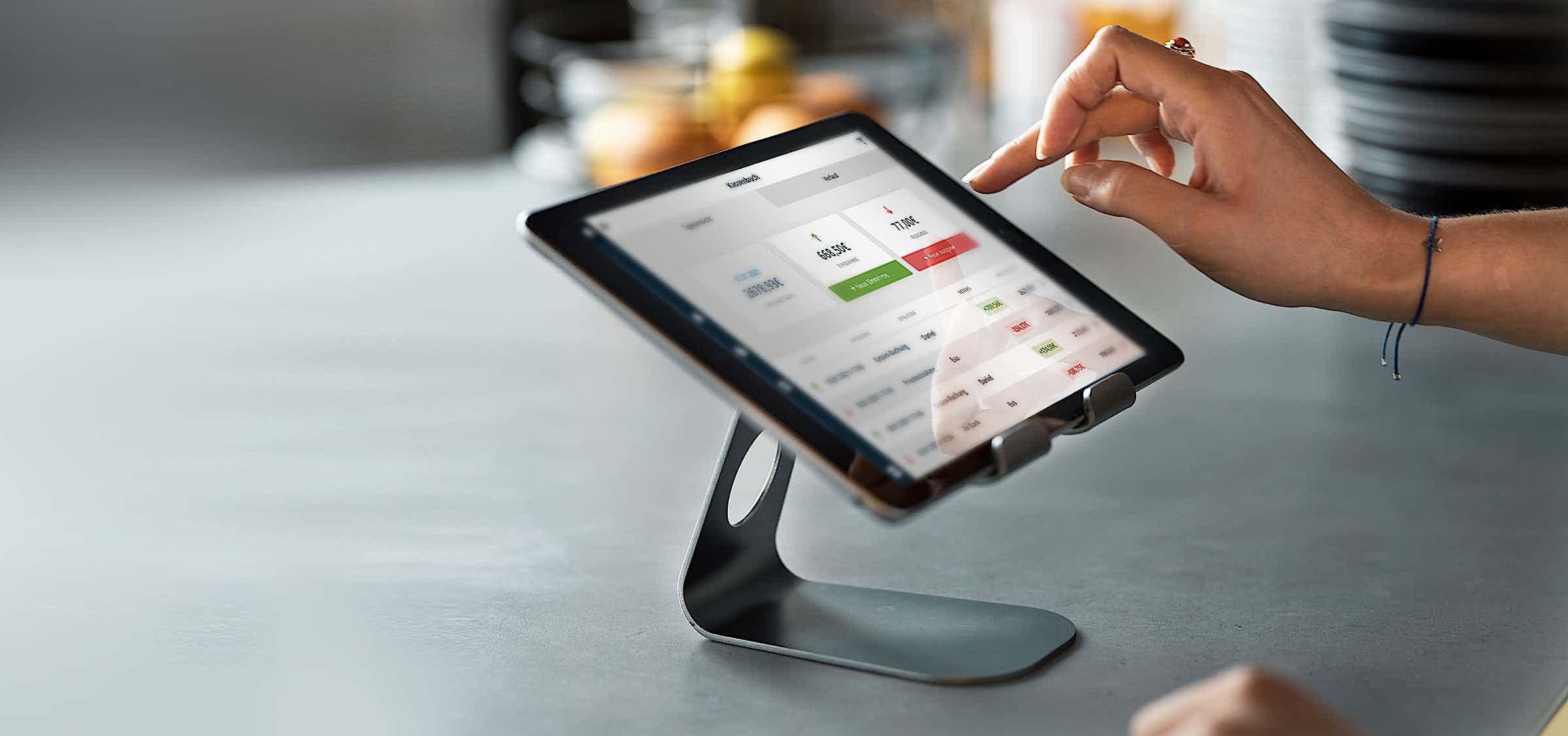 Das neue Kassenbuch von ready2order auf Tablet