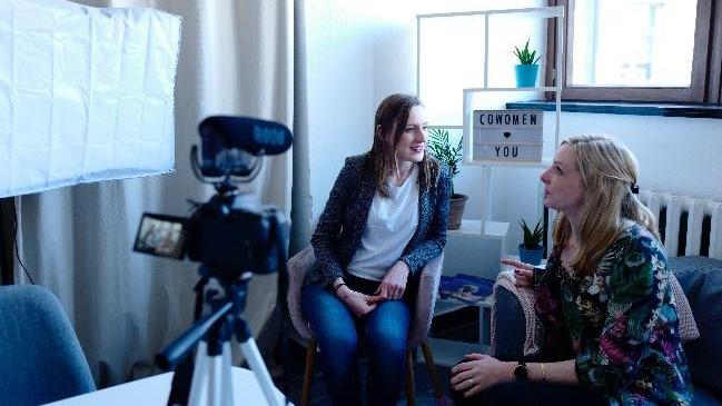 Vous n'avez pas de vidéo? La team communication de Softy peut vous aider à créer une vidéo adaptée à vos recrutements.