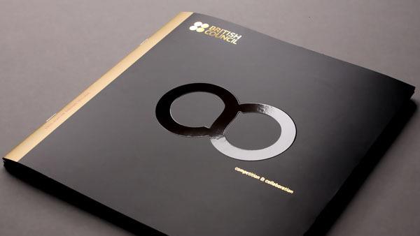 Plaquette commerciale luxe pour British Council © Entheos
