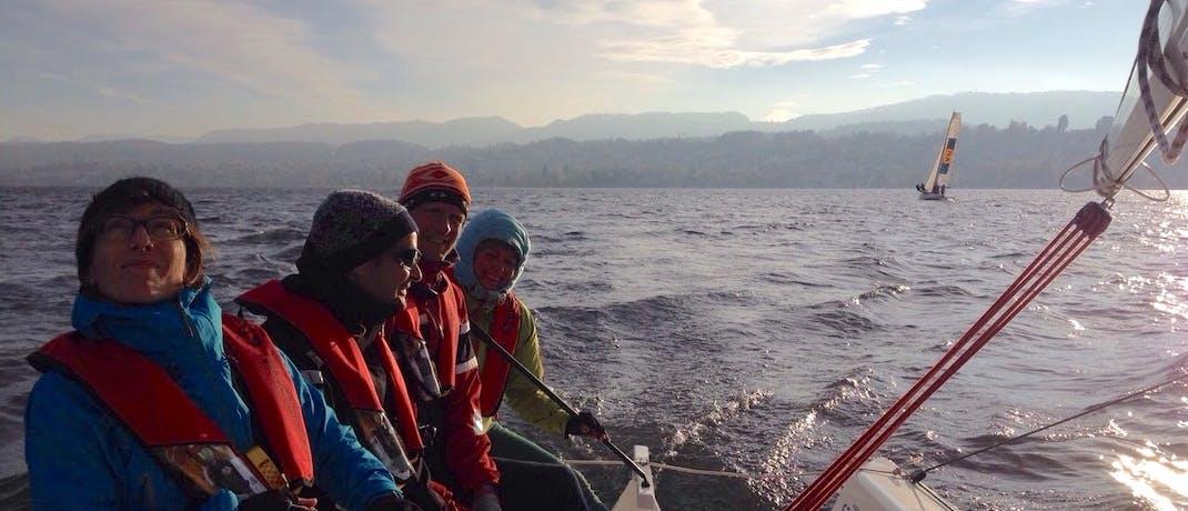marc beim segeln im team