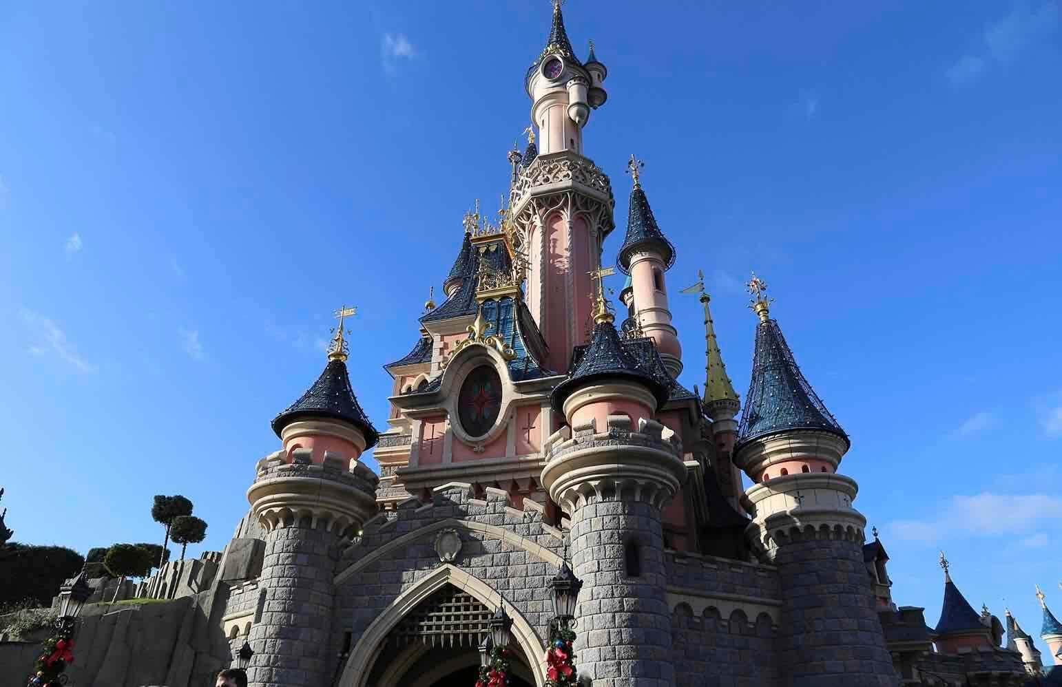 Quels transports prendre entre l'aéroport d'Orly et Disneyland ?