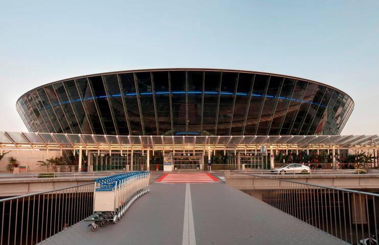4 conseils pour éviter les bouchons de l'aéroport de Nice-Côte-d'Azur