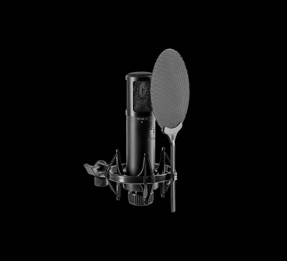 Estudios disponibles 24/7 con equipos KRK, Focusrite, Yamaha - trae tu portátil, conéctate y sé creativo sin distracciones.