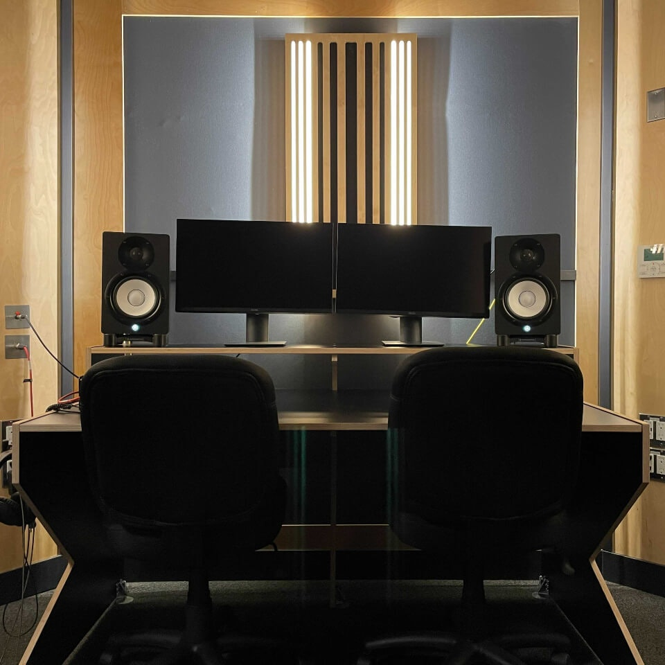 Video editing suite. Book our video editing suite with hi-spec displays, active monitors, condenser microphones and more today.