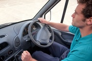 Erhöhen Sie die Fahrersicherheit durch ein Flottenmanagementsystem