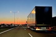 GPS-Ortung für Anhänger in Fahrzeugflotten