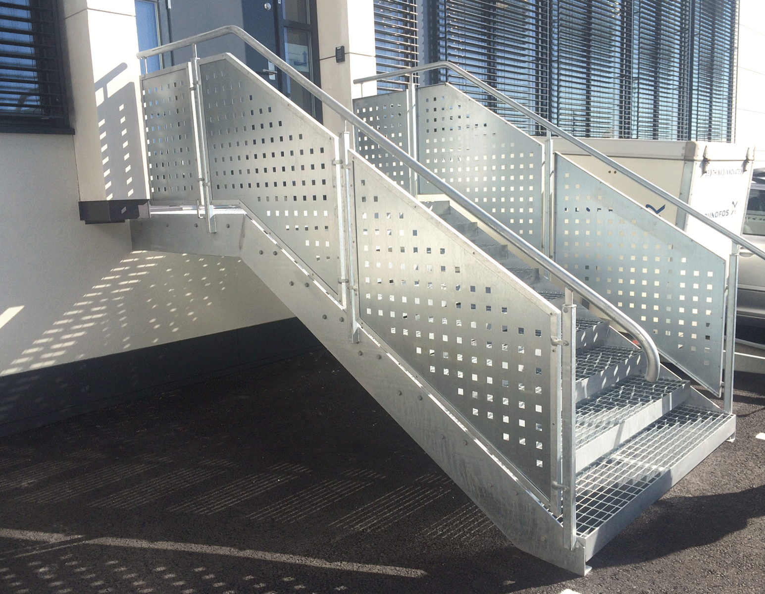 surface treatment hot galvanized straight staircase