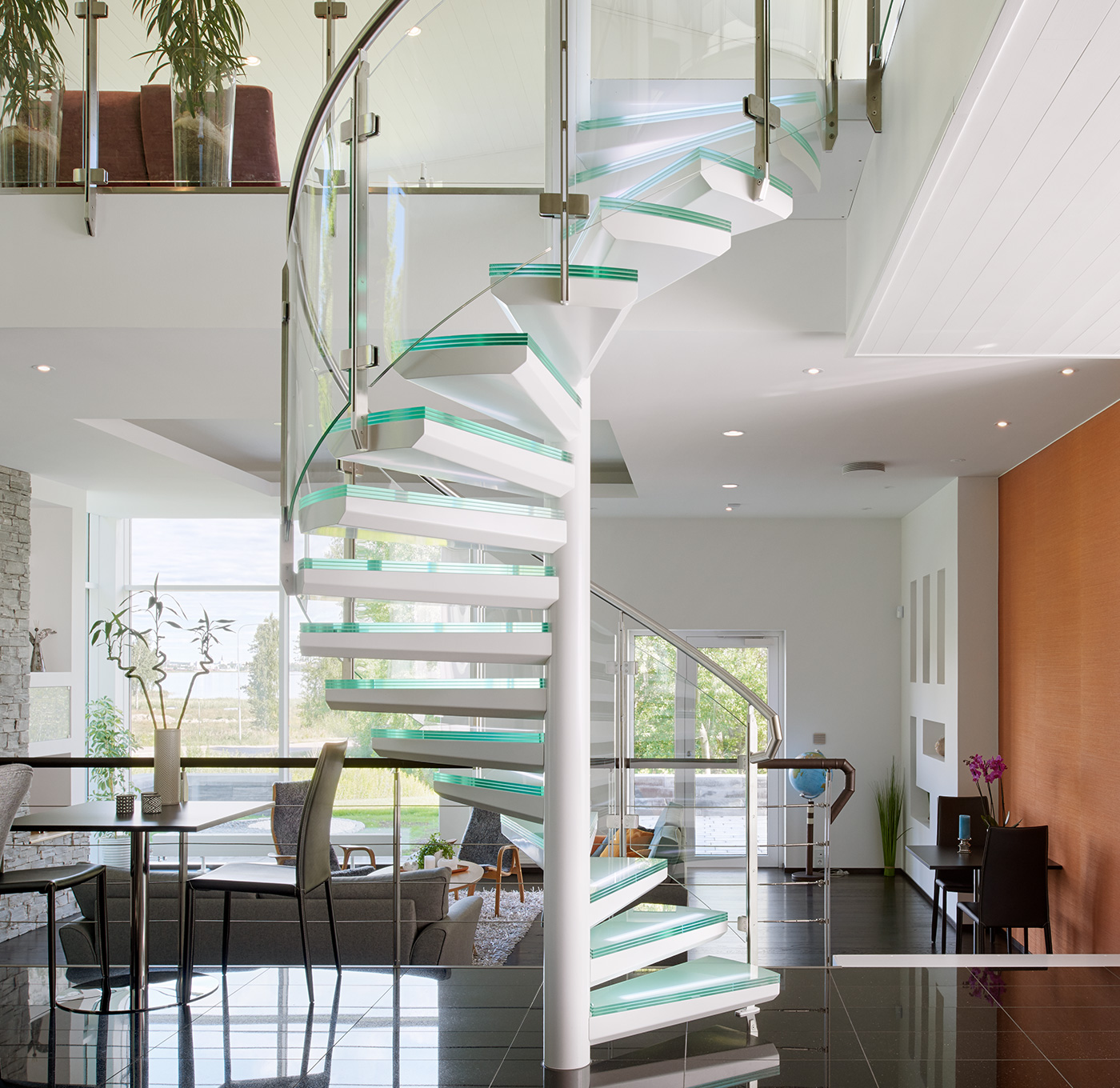 Spiral staircase exclusive indoors