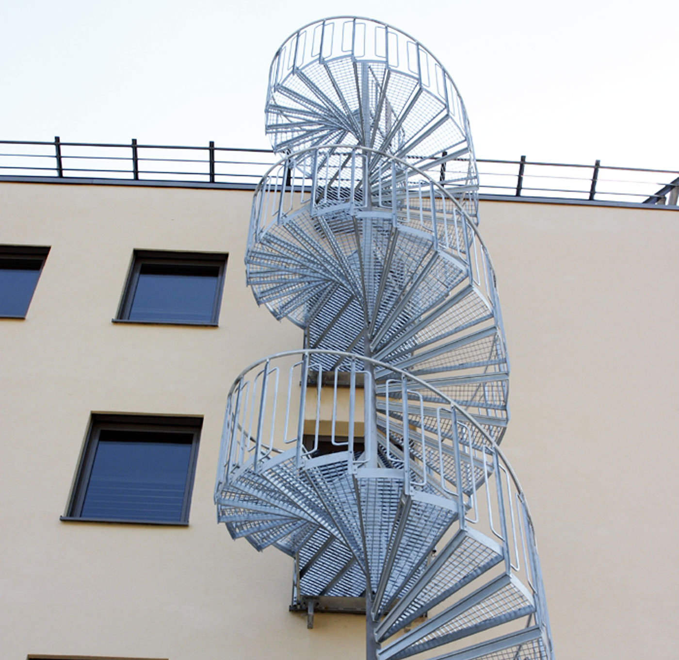 Spiral staircase with childsafe railing