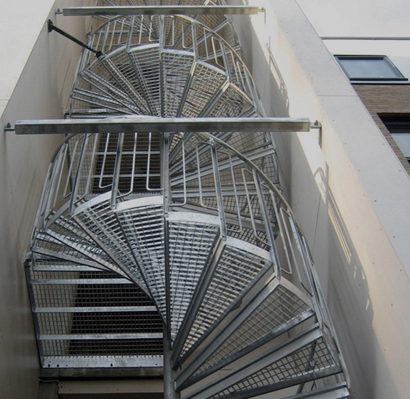 spindeltreppe schweisspress stufen