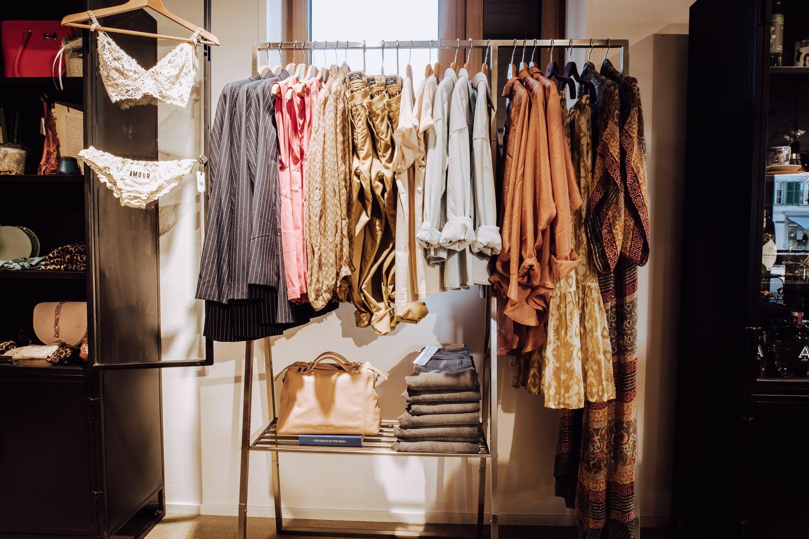 Kleiderstange Konzept-Boutique