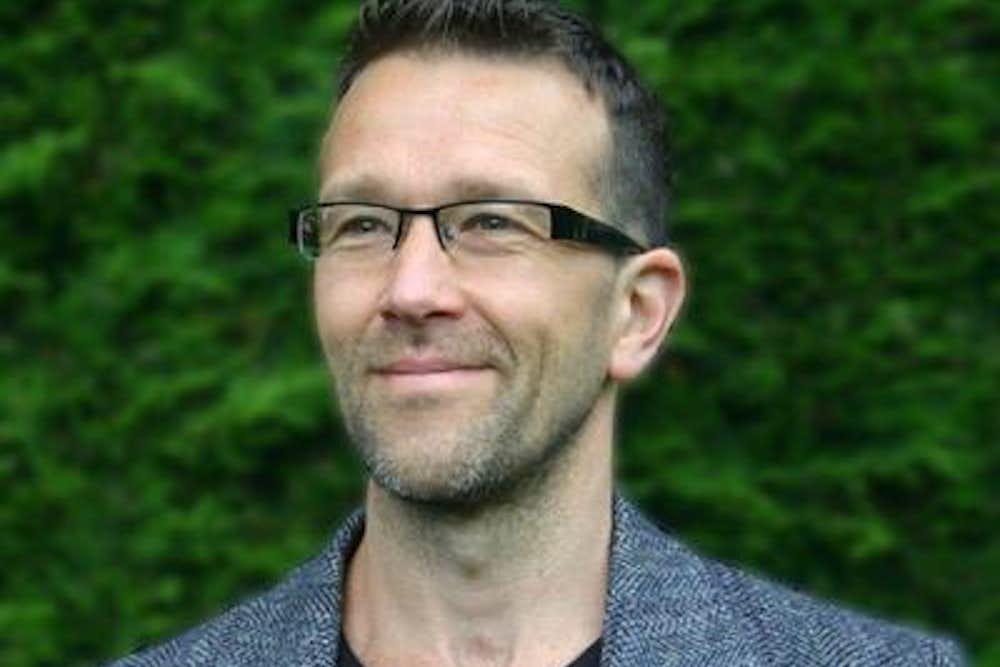 Dr Damien Short