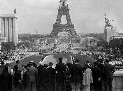 1937, Paris