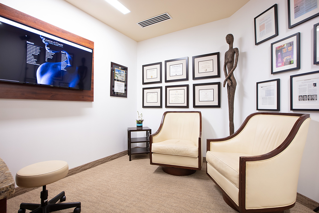 Seating area Ranch & Coast Plastic Surgery
