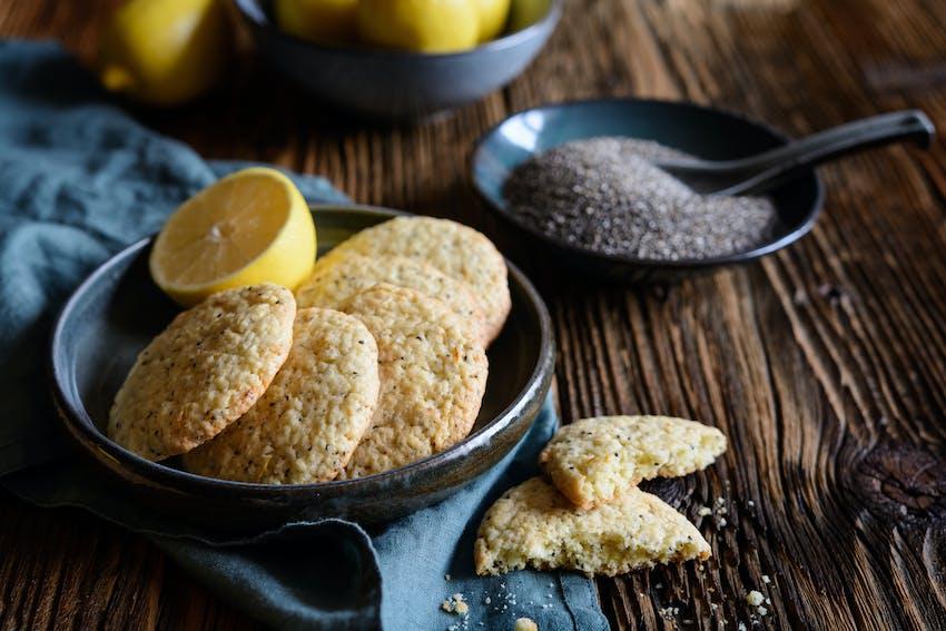 Gin and lemon cookies