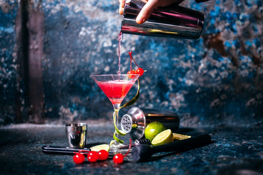 a cosmopolitan is an allergy friendly alternative to champagne