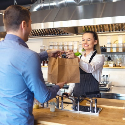 steps to take if customer has an allergic reaction in your restaurant or takeaway